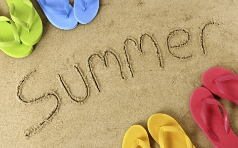 Summer_Beach_Sandal_freecomputerdesktopwallpaper_1680